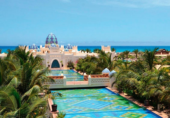 If you have always dreamt to see the fascinating landscape of volcanic landslides in the middle of the Atlantic Ocean, the new complex of ClubHotel Riu Karamboa (All Inclusive 24h) in Boa Vista, Cabo Verde, makes it just available to you. ClubHotel Riu Karamboa - Hotel in Boa Vista, Cape Verde - RIU Hotels & Resorts