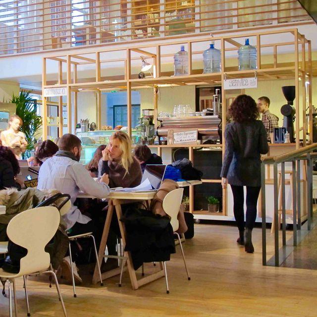 Les dix meilleurs cafés où se poser pour travailler à Paris
