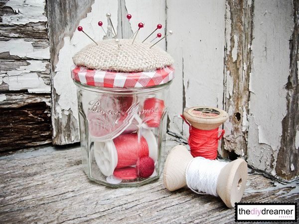 This is super cute! What a great way to reuse jam jars. This would be perfect to take to work. Pincushion Jar - TheDIYDreamer.com