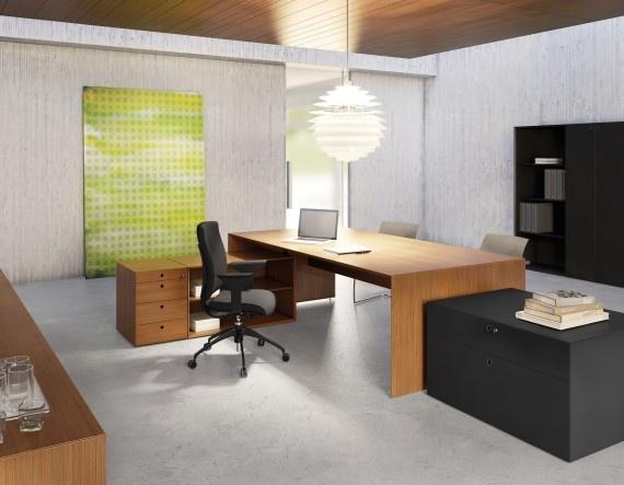 Fantoni mesa direccional y armarios modelo quaranta5 for Mobiliario diseno oficina