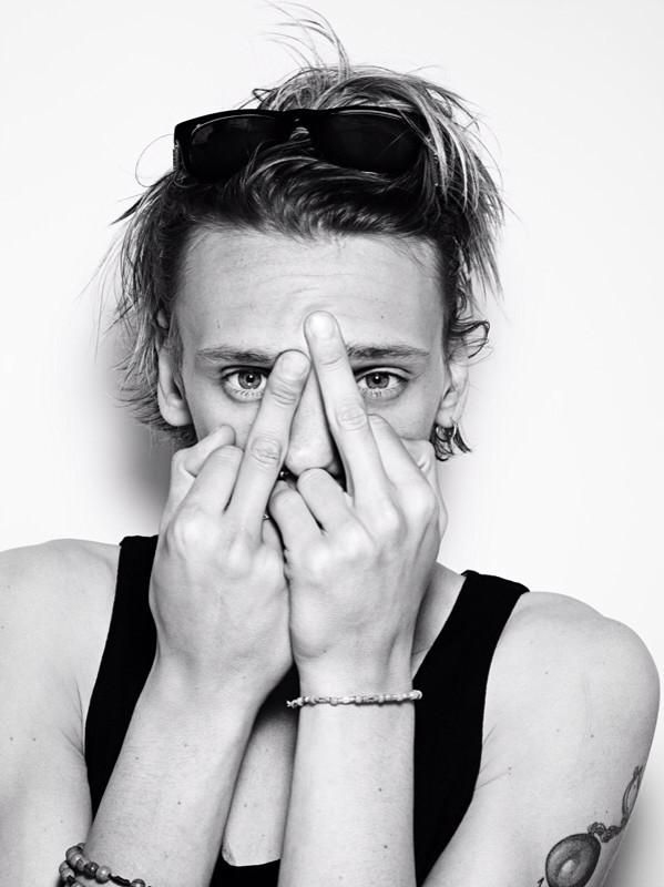 @jamiebower: I'm in @rankinphoto 's new book FURANKIN you should prolly go buy it. It has the last picture of my bare fingers. X via twitter