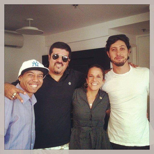 Ray Santos, Dj Hum, Carolina Monteiro e Diego Garcia, na Raiz Estúdio em reunião sobre o programa HIP HOP É A PONTE!