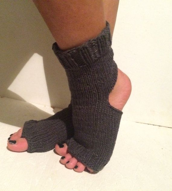 NEW yoga socks Pilates Socks   women gray  Yoga by CELINICRAFTS