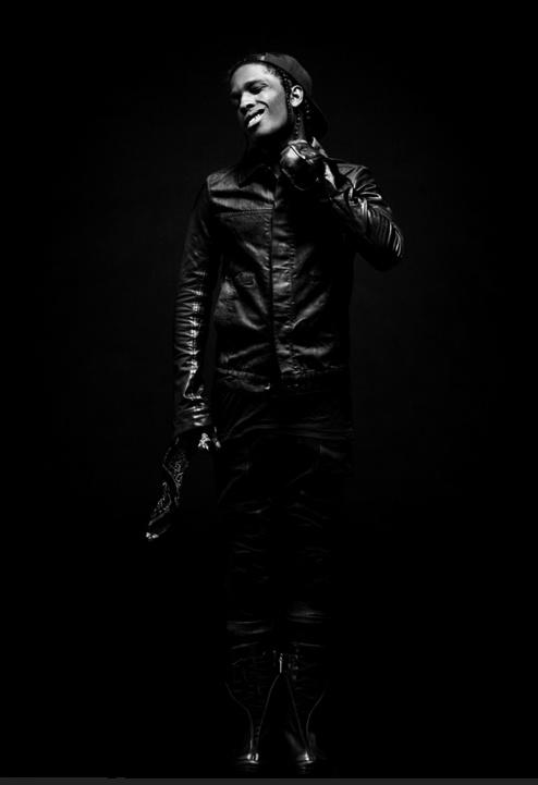 ASAP Rocky de son vrai nom Rakim Mayers est un rappeur américain né le 3 octobre 1988 à Harlem, New York.  Il est l'un des membres du collectif de rap new yorkais A$AP Mob d'où il tient son surnom. Il publie sa première mixtape, Live Love A$AP, en 2011. Le succès de celle-ci lui permet de signer avec les labels Sony Music Entertainment, RCA Records et Polo Grounds Music.