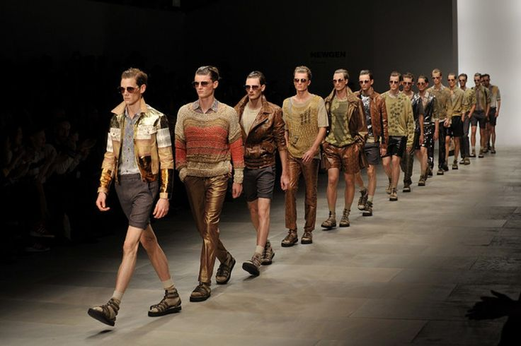 Calendar: Official Fashion Week - June 2017 London, Florence, Milan and Paris offers this year a month dedicated to men's fashion. The most important events dedicated to men this June, Men's Fashion Weeks in the world. Read more at: https://fashionworldwide.com/calendar-official-fashion-week-june-2017/