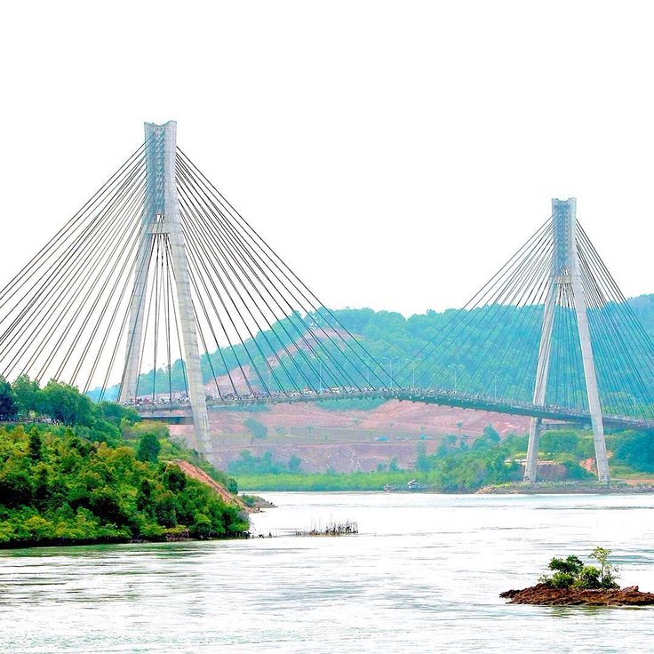 The most astonishing bridge in Batam is often compared to Golden Gate Bridge US. You can do islands hopping by passing through this Barelang Bridge. The bridge that was built in 1992-1996 is definitely one of Riau Islands' pride. #WonderfulIndonesia
