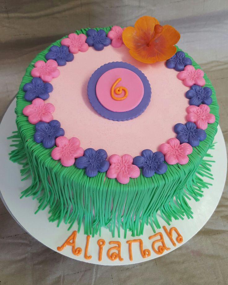 Hula skirt cake