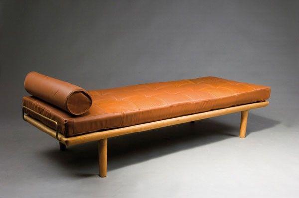 Hans J. Wegner. Daybed, designed circa 1958. H. 42 x 19 : Lot 1232