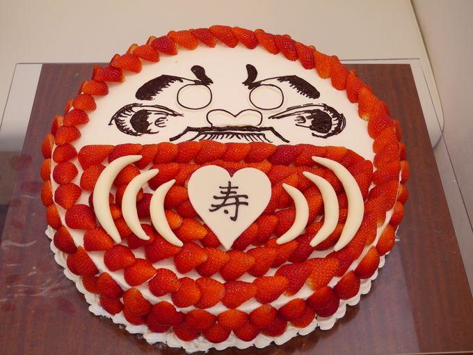 和婚でもケーキ入刀はしたいと考えている皆さん!ウェディングケーキも和風にアレンジしてゲストも喜ぶデザインを紹介します♫きっとSNSに引っ張りだこ間違いなしです♡