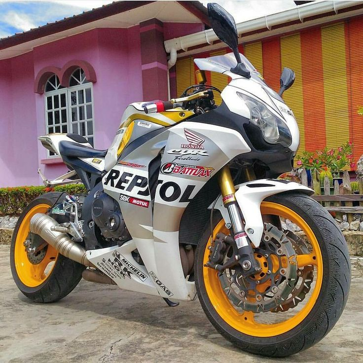 Find This Pin And More On Honda CBR By Shaan_abdullah.