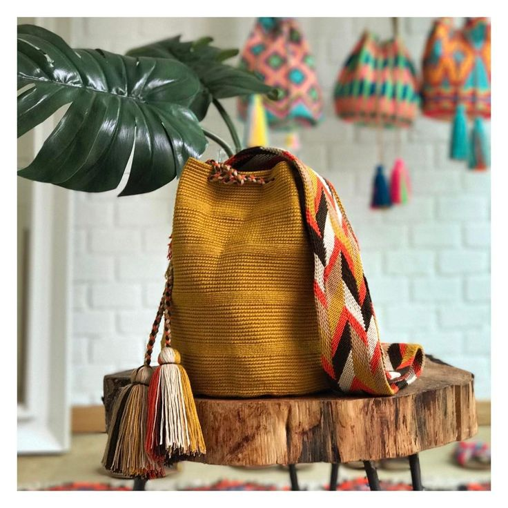 Check out the new Summer twist of our always favorite Capri Bag ~ www.chilabags.com