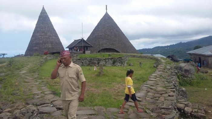 Kampung Todo - Mau Lihat Bentuk Kulit Bidadari? Datanglah ke Sini