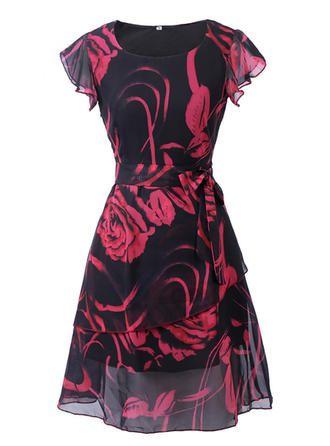 Kleid mit roten blumen