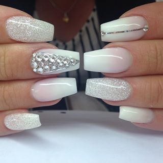 These nails are GORGEOUS! Out with the matte, glitter is SO making a comeback!