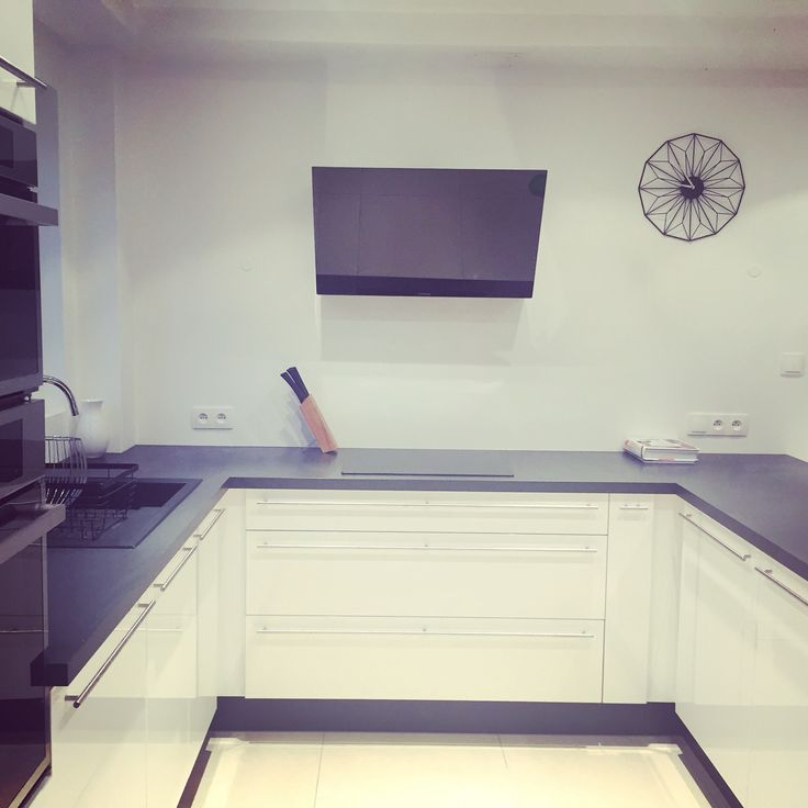 best 25 cuisinella ideas on pinterest colonnes de cuisine design d 39 agencement de cuisine and. Black Bedroom Furniture Sets. Home Design Ideas