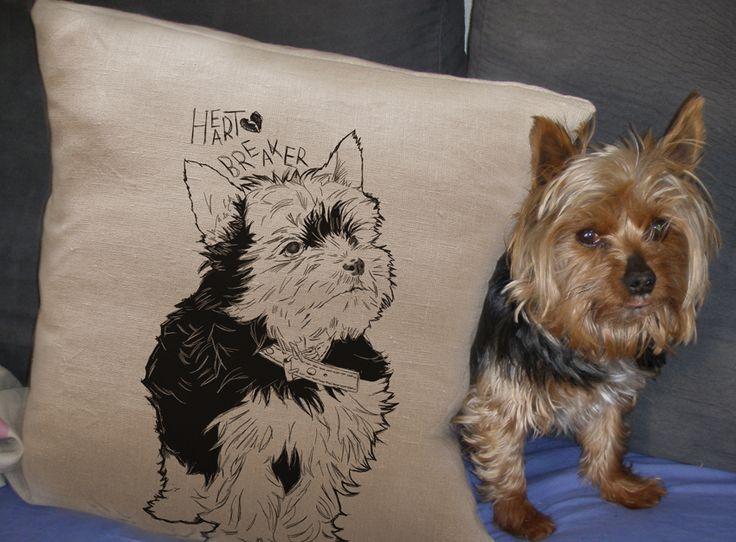 Cojín de lino personalizado con un dibujo de tu mascota.