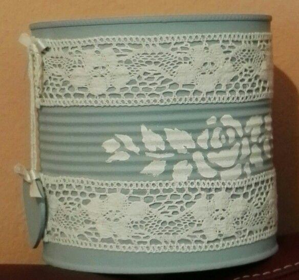 Barattolo di latta decorato