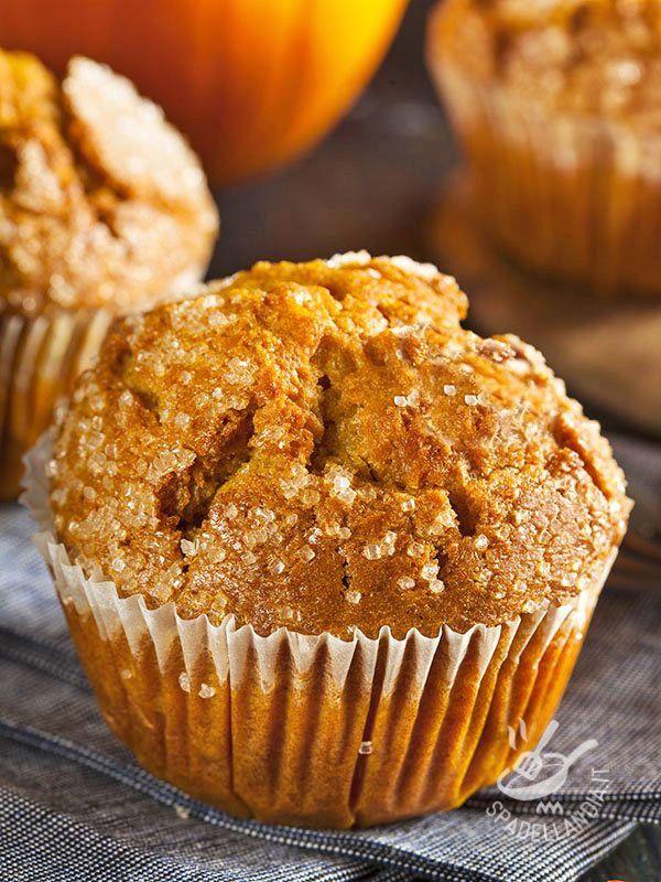 I Muffins alla zucca e amaretti sono buonissimi e anche scenografici... quanto basta per farvi fare una bellissima figura!