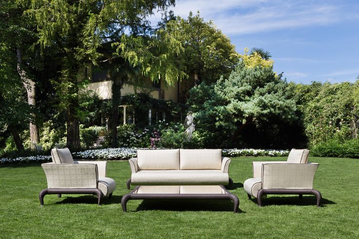 CANOPO Lounge with branded fabric by Samuele Mazza Outdoor Collection. Luxury outdoor furniture in synthetic wicker and rattan produced and distributed by DFN Srl. Suitable for garden, pool, wellness area, spa, patio, terrace, veranda, balcony, sundeck, courtyard, porch, lanai, boat, yacht and ship.