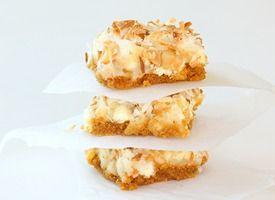 White Chocolate Macadamia Nut Clif Bars  http://www.tablespoon.com/recipes/white-chocolate-macadamia-nut-bars-recipe/2/