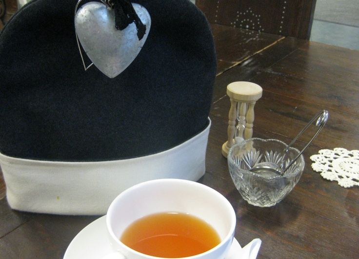 Enjoying some tea in Hannan Kaffila / Wanha talo, Mikkeli