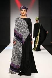 Abayas looks very elegant with vibrant colors. Abayas are in many styles, they are fancy abayas, embroidery abayas, simple abayas with simple decent designs and styles.
