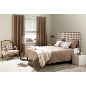 Classic Bedroom with checkered detals. #dekoriapl #checkered #bedroom #bedding #interior #furniture #classic #beige #brown #wood #elegante #bedtime