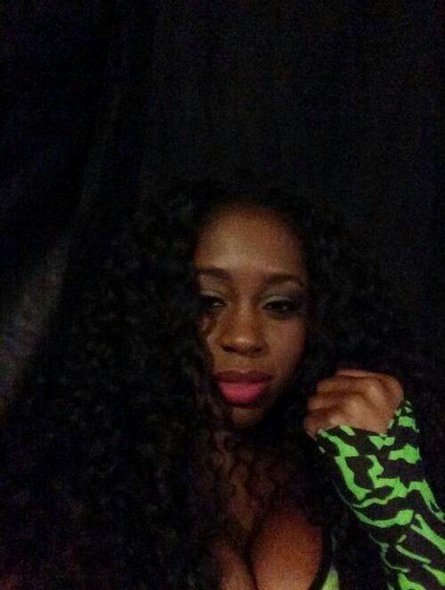 Slayomi Trinity Fatu aka Naomi Knight ready for her match against Paige