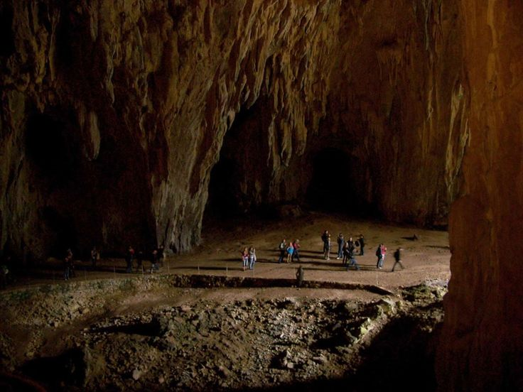 Também são conhecidas como o 'Grande Canhão Subterrâneo' já que atingem profundidades até 200 metros... - All rights reserved / Wikimedia