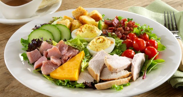 Cracker Barrel Chef Salad--This is so good, and it would be easy to make at home.