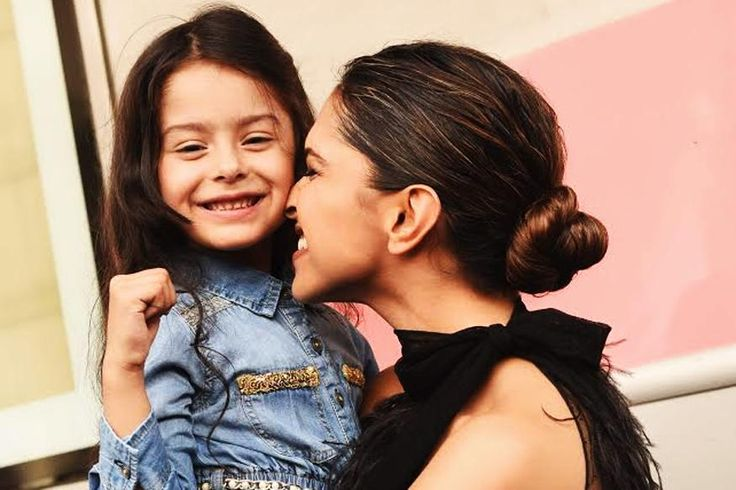 Meet Deepika Padukone's mini me from her recent airlines ad. Child model Dhyana Madan was showered with gifts by the actress.  #deepikapadukone #dhyanamadan
