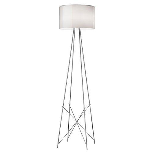 De Ray F2 vloerlamp is gemaakt van aluminium en glas en werkt met een E27 HSGS lamp max 205W. Naast de Ray F2 vloerlamp is, in dezelfde stijl, de Ray T Tafellamp ook verkrijgbaar.  Afmetingen: ∅ 43 cm x h 171 cm