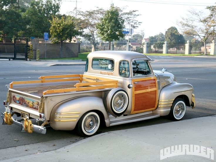 Chevy Woodie PickUp (Someone please tell me - LORI - the YEAR model here? THANKS!)