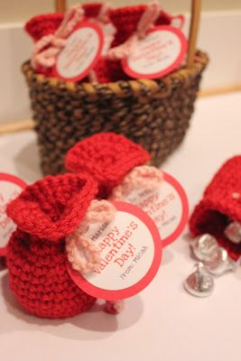 Repeat Crafter Me: Valentine's Candy Crochet Bags