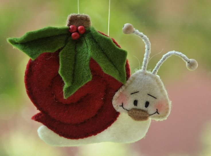 Kerstbal Slakje Vilt | Handwerkpakket | zelfmaakpakket | Atelier Wilma Creatief