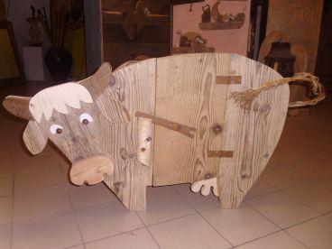 mucca, animaletti, legno, materiale di recupero, artigianato, mobiletto in legno, wood, cow
