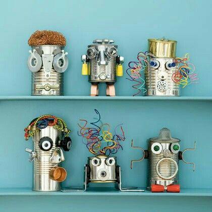 Maak monsters/robots van een leeg blik en ander kosteloos materiaal.