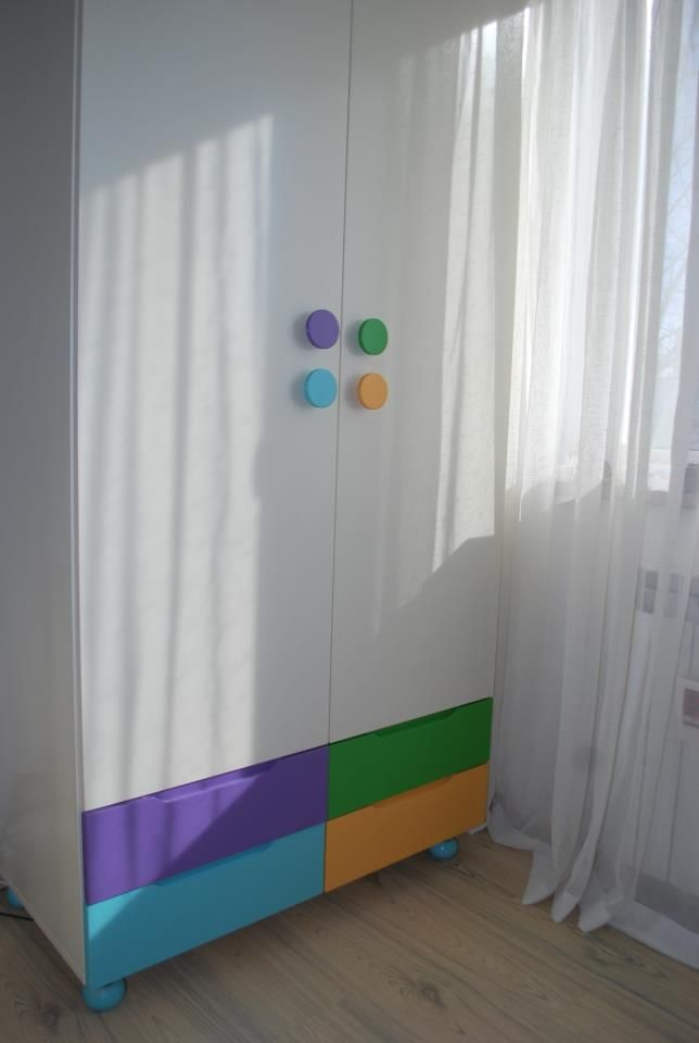 painted closet for kids