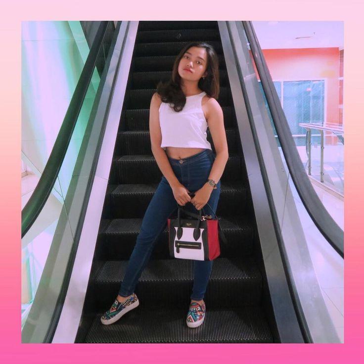 Halo guys, aku seneng banget karena #AkuBaruBeli tas baru dari @tokopedia cepet banget paketnya sampe! Oia ini nama toko tempat aku beli tasnya 'Harpers collection' ternyata mudah juga untuk menjadi keren. Karena bisa #DiMulaiDariTokopedia aja!