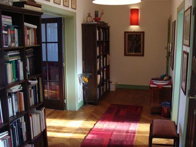 Appartement te koop in Schaarbeek - 1 slaapkamers - 85m² - 299 000 € - Logic-immo.be - In de Europese wijk, bijzonder sympathiek appartement in het beroemde gebouw in Art Decostijl, de 'Pavillons français'. Het appartement bestaat uit een aangename inkomhal, een bijzonder groot salon me...