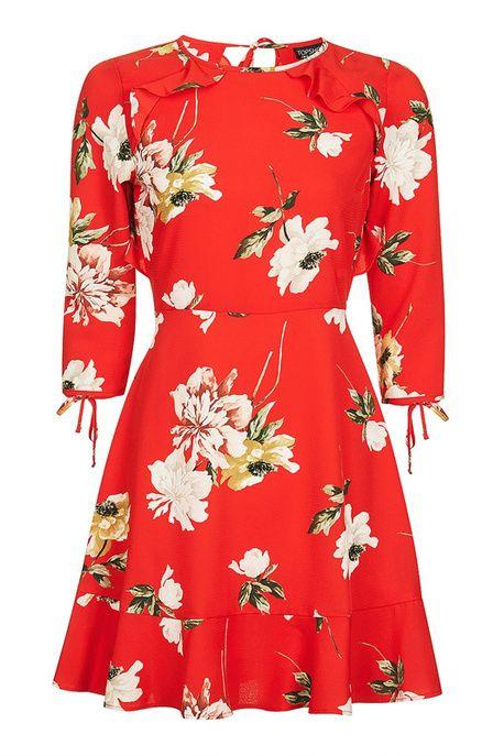 Une robe écarlate