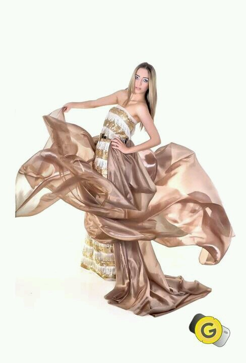 A top Isabela  é a estrela da campanha fotografada por mim da primeira concept de Tecidos do nordeste, a loja Magazine São Paulo, que estará inaugurando em breve  sua loja conceito.Fotografia: Gustavo Boroni Modelo: Isabela Montenegro Vestido: Radisson - Estilista Loja Magazine Beleza: Gabriela Cabús Produção: Ana Brígida Farias Agencia: Yellowkite  #photography Gustavo Boroni #fashion #glamour