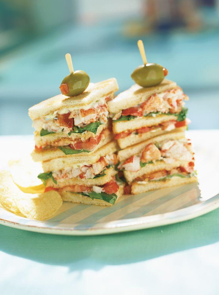 Club sandwichs au homard et à la roquette #sandwich #homard #roquette #ricardo