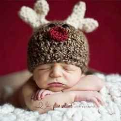 This page is dedicated to the most adorable holiday and Christmas crochet hats for babies and newborns. These are the sweetest and cutest baby...