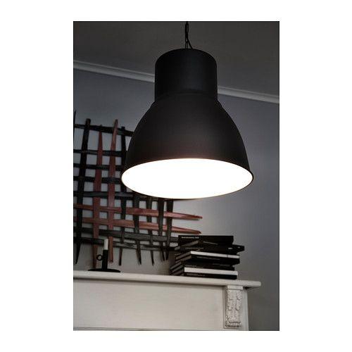 HEKTAR Loftlampe IKEA Lampen gi'r et behageligt lys, når du spiser. Den spreder et godt, direkte lys over spisebord eller bar.