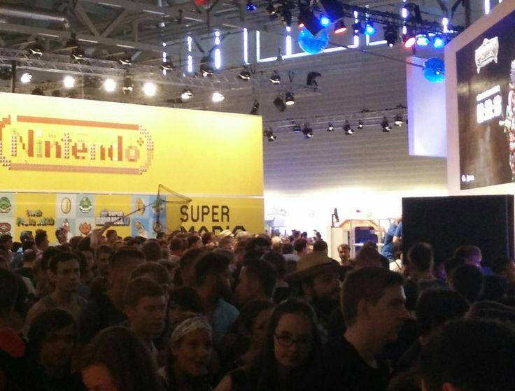 HOW TO #Merchandising abgreifen: Natürlich mit nem Kescher. #gamescom15