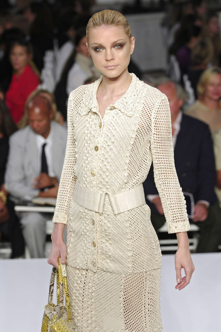 Oscar de la Renta at New York Fashion Week Spring 2008 - StyleBistro