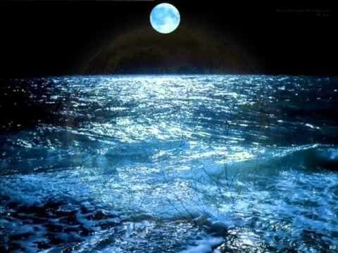 Το φεγγάρι κάνει βόλτα - Δημοτικά τραγούδια