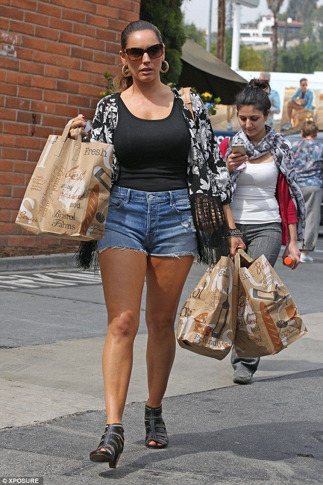 Doing her best: Kelly Brook picked up some healthy food from Bristol Farms in LA on Tuesda...