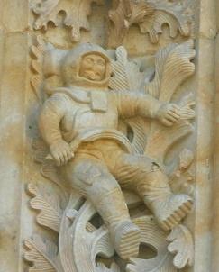 El astronauta de la catedral de Salamanca, añadido tras la última restauración del edificio.